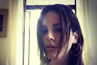 "Watch Lana Del Rey Sing ""Florida Kilos"" Live For The First Time"