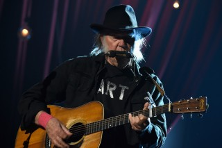 Neil Young Shares Statement About Trump Campaign, Monsanto