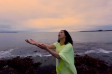 "Watch Björk's 360-Degree Virtual Reality ""Stonemilker"" Video"