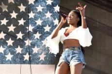 Azealia Banks Glastonbury Stephen Hawking Cancel
