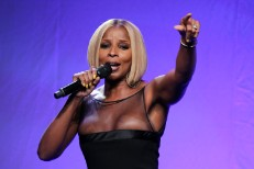 Mary J. Blige Hologram Budweiser Concert T-Pain Governors Island