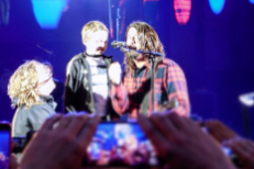 Watch An 8-Year-Old Fan Sing Onstage With Foo Fighters In Manchester