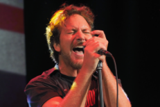 Watch Eddie Vedder Cover The Ramones With Supersuckers