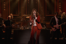 """Watch Florence + The Machine Perform """"Ship To Wreck"""" On Jimmy Fallon"""