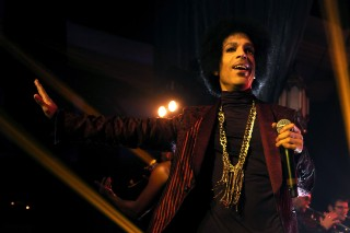 Prince Removes Music From All Streaming Services Except Tidal