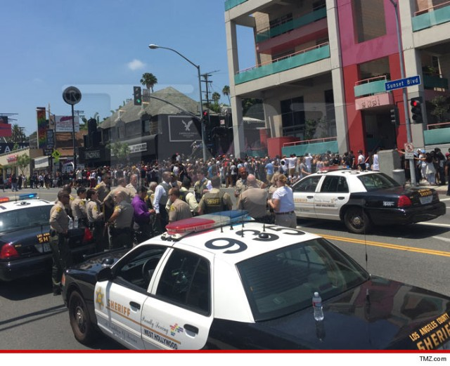 Cops In Riot Gear Confront Fans Waiting For Free Future Show In L.A.