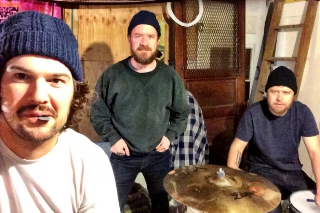 Cave Singers Are Crowdfunding Their New Album