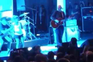 Watch The Smashing Pumpkins Get Soy Bombed <em>Twice</em> In New Jersey
