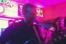 Watch Chris Martin Play A Surprise Acoustic Set At A Bar In India