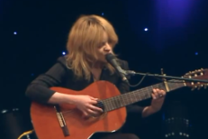 Watch Jessica Pratt Perform On A Chicago Morning Show