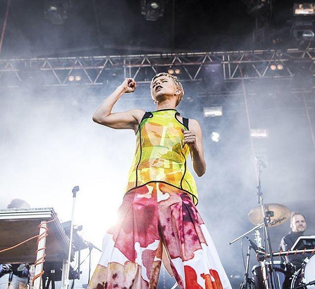 Watch Robyn & La Bagatelle Magique Make Their Live Debut At Popaganda Festival