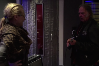Watch Neil Young Teach Meryl Streep How To Play Guitar