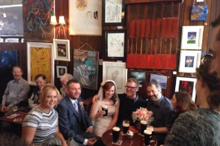 Watch Glen Hansard And Amy Schumer Serenade Newlyweds In An Irish Pub
