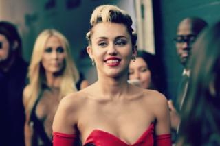 Miley Cyrus To Host <em>SNL</em> Season Premiere