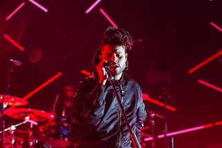 Watch The Weeknd Sing <em>Beauty Behind The Madness</em> Songs, Cover &#8220;Drunk In Love&#8221; At Billboard Hot 100 Fest