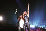 "Watch Taylor Swift Sing ""You Oughta Know"" With Alanis Morissette In LA"