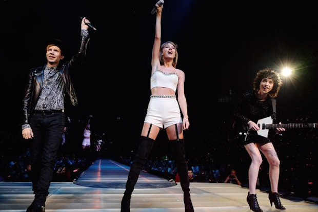 Watch Taylor Swift Perform With Beck (!) & St. Vincent (!!) In LA