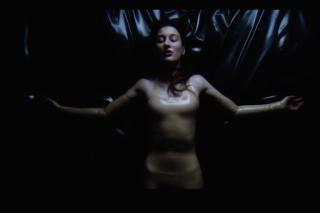 """Zola Jesus – """"Nail"""" Video"""