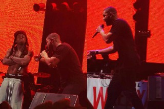 Apple Blocks Tidal From Streaming Drake's Lil' Weezyana Performance