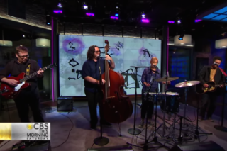 Watch Yo La Tengo Cover The Cure On <em>CBS This Morning</em>