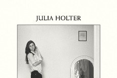 """Julia Holter – """"Sea Calls Me Home"""""""