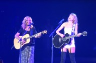 "Watch Taylor Swift Sing ""Smelly Cat"" With Lisa Kudrow In L.A."