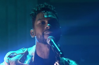Watch Miguel&#8217;s Stunning <em>Tonight Show</em> Performance