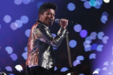 NFL Offers Bruno Mars Super Bowl Halftime Again