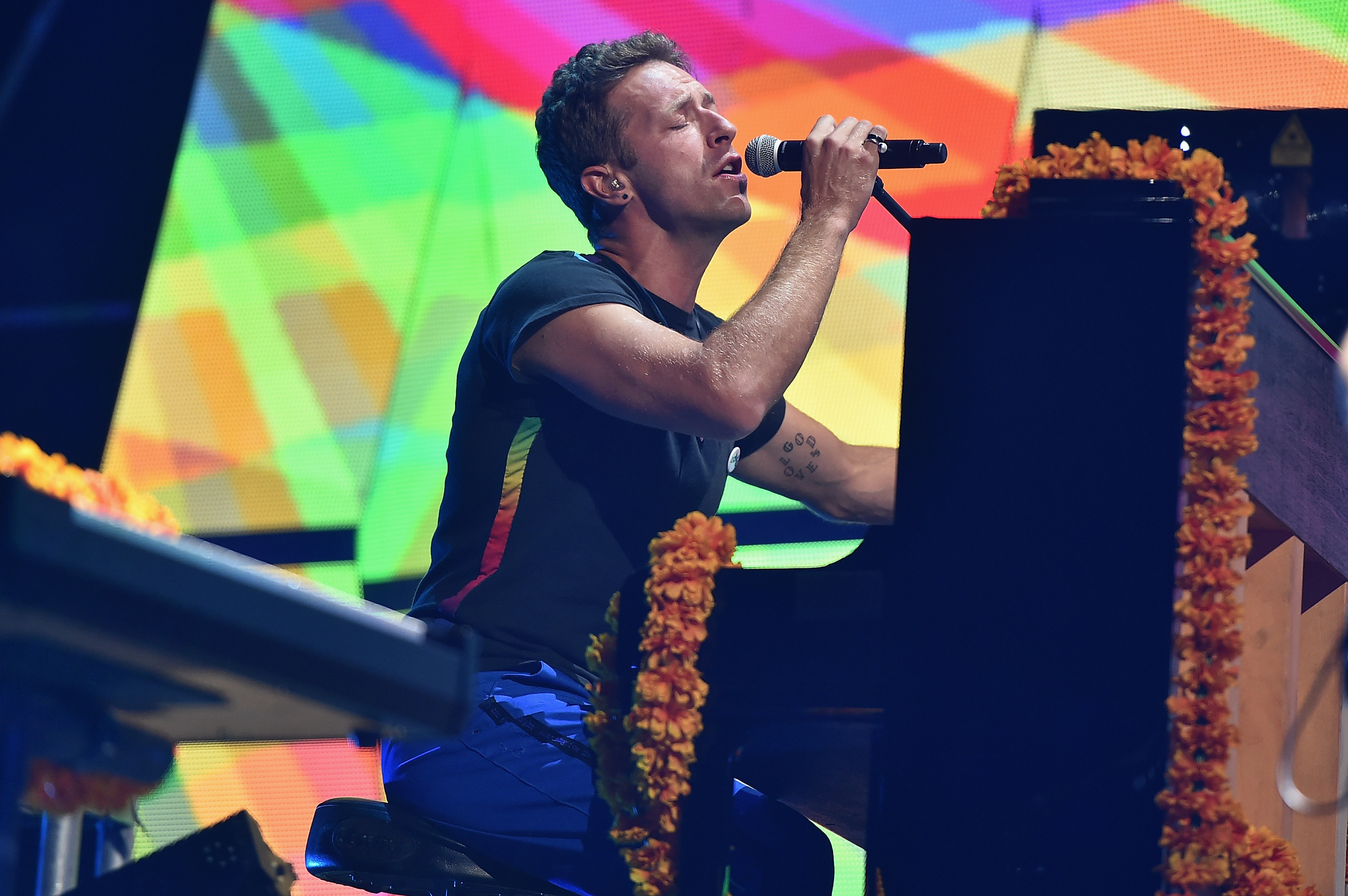 global citizen festival  coldplay just soundchecked a new song for global citizen fest
