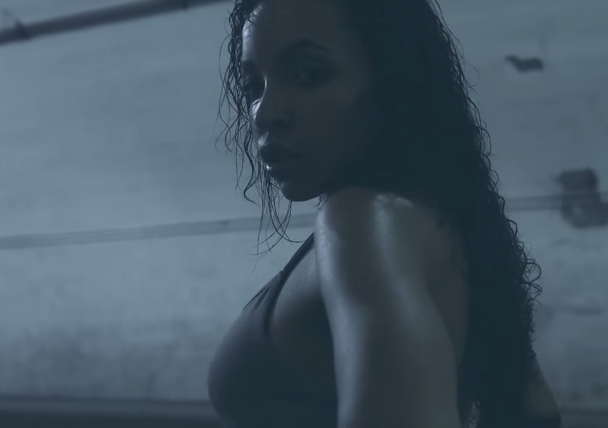 "Tinashe - ""Bet"" / ""Feels Like Vegas"" Video"