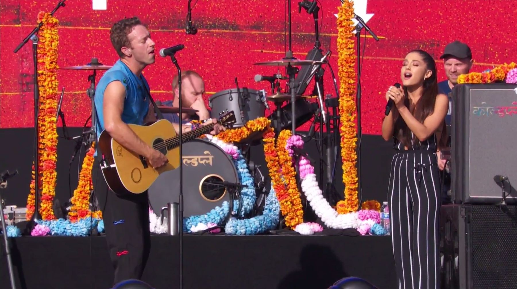 """Watch Coldplay Debut New Song """"Amazing Day,"""" Perform With Ariana Grande At Global Citizen Fest"""
