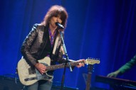 "Chrissie Hynde Thinks ""Pornographic"" Pop Videos Are Misrepresenting Feminism"