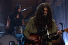 Watch Kurt Vile Perform Two b'lieve Tracks On Conan