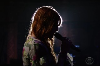 Watch Florence + The Machine Strip Down &#8220;What Kind Of Man&#8221; On <em>Colbert</em>
