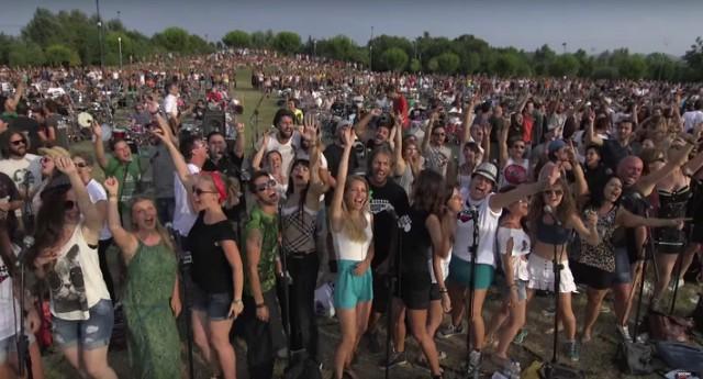 Foo Fighters crowd