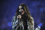 Alanis Morissette Launches Self-Help Podcast