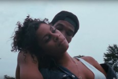 """Jack Ü – """"To Ü"""" (Feat. AlunaGeorge) Video"""