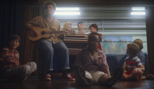 Mac DeMarco with kids