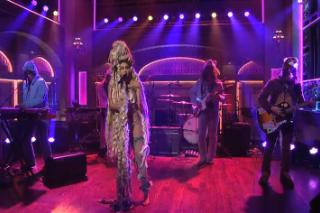 Watch Miley Cyrus &#038; The Flaming Lips Bring <em>Dead Petz</em> To <em>SNL</em>