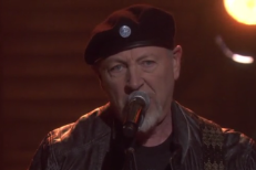 Richard Thompson Perform
