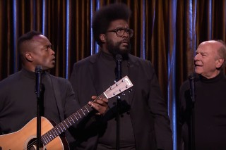 "Watch Black Simon & Garfunkel Sing ""Can't Feel My Face"" With White Garfunkel"