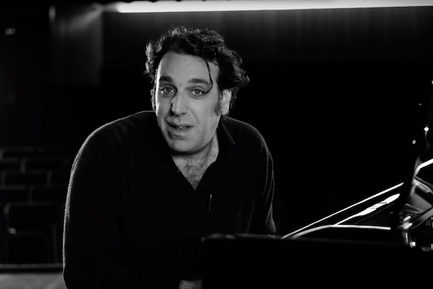 """Chilly Gonzales Uses Music Theory To Show Why The Weeknd's """"Can't Feel My Face"""" Is So Appealing"""