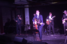 Tom Hiddleston Performed A Whole Concert In Character As Hank Williams At A Tiny Nashville Bar