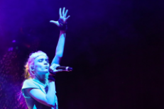 Watch Grimes Debut New Songs At Beach Goth 4