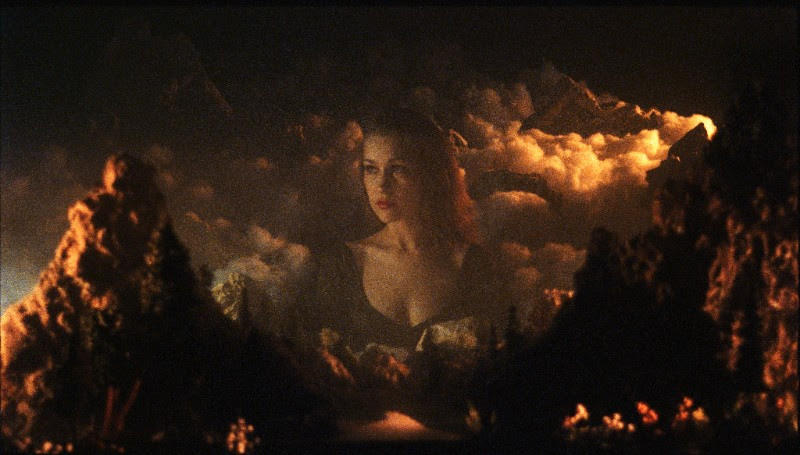 """Joanna Newsom Announces North American Tour Dates, Theatrical Release Of """"Divers"""" Video"""
