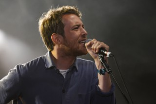 "Robin Pecknold – ""Out Of Sight, Out Of Mind"" (The Five Keys Cover)"