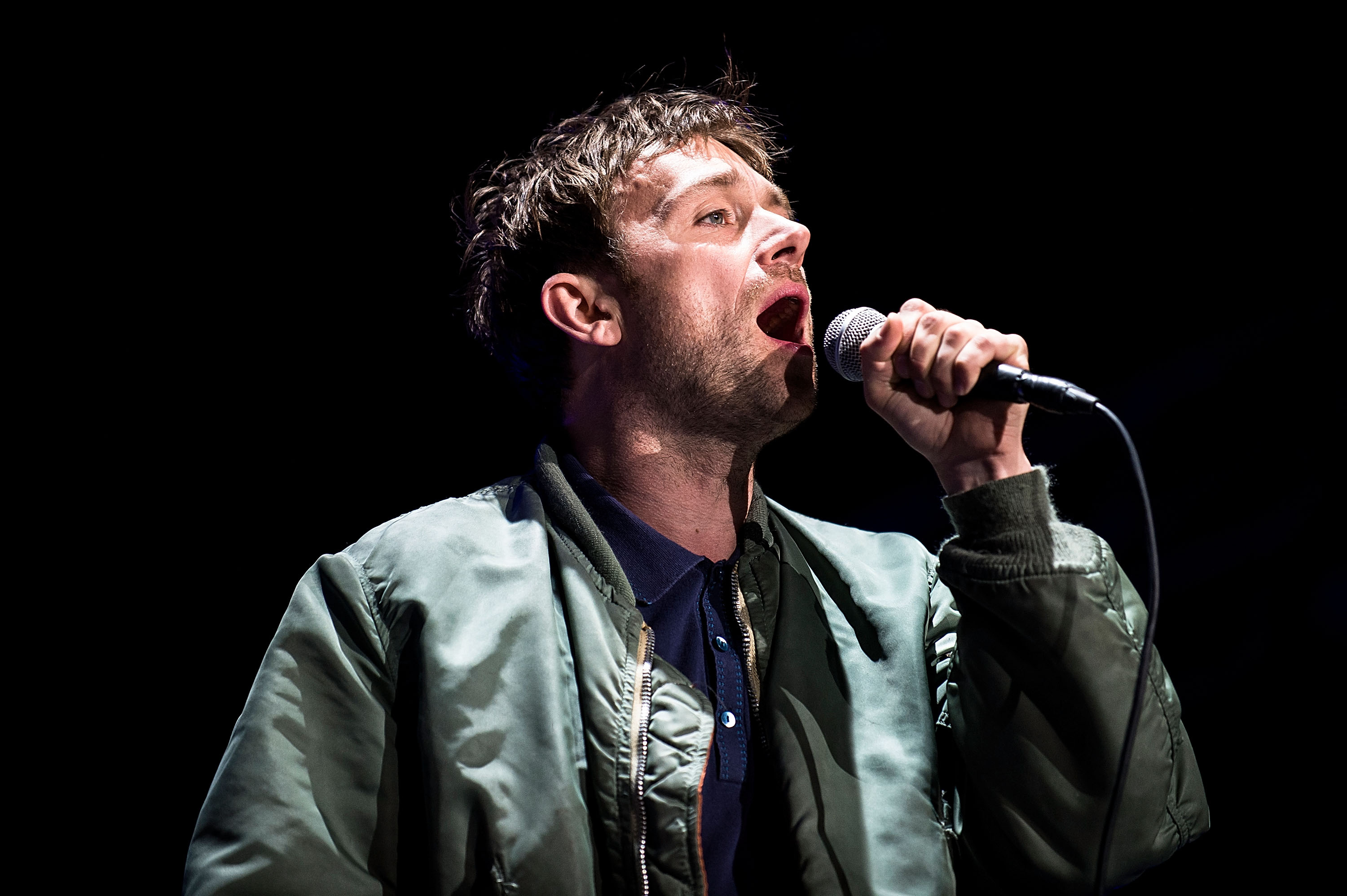 Damon albarn discovers the comments section stereogum for Damon albarn
