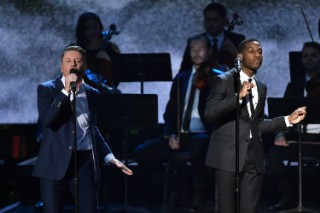 "Macklemore & Ryan Lewis – ""Kevin"" (Feat. Leon Bridges)"