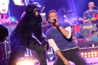 "Watch Coldplay Play ""Adventure Of A Lifetime,"" Tease Gorillas Video On The AMAs"
