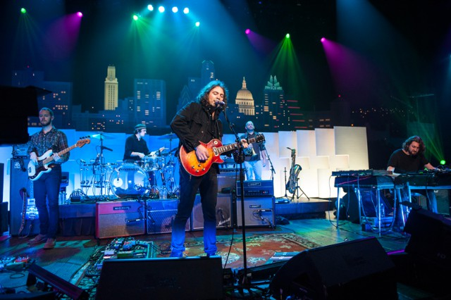 "Watch The War On Drugs Perform ""Under The Pressure"" On Austin City Limits (Stereogum Premiere)"
